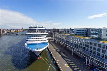 Cruise Lines Skip Amsterdam Calls Amidst New Tourist Tax