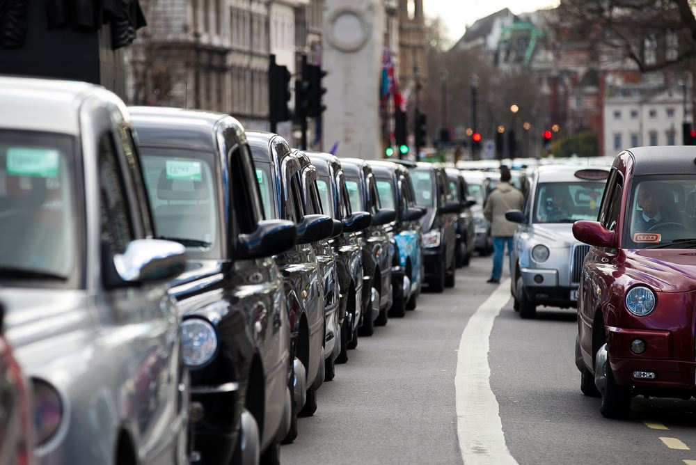 Uber Loses London Operating License
