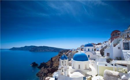 Luxury Travel is Becoming More Accessible in Greece