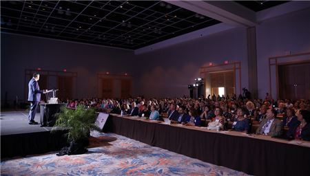 Hilton CEO Addresses Advisors at ASTA Global Convention