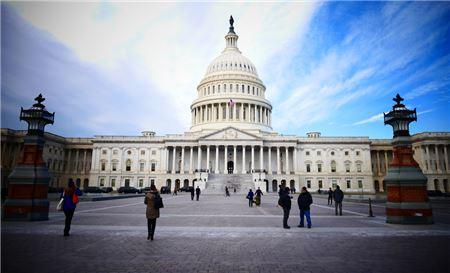 Key U.S. Senator Supports Travel Agent Regulatory Consumer Disclosure Concerns