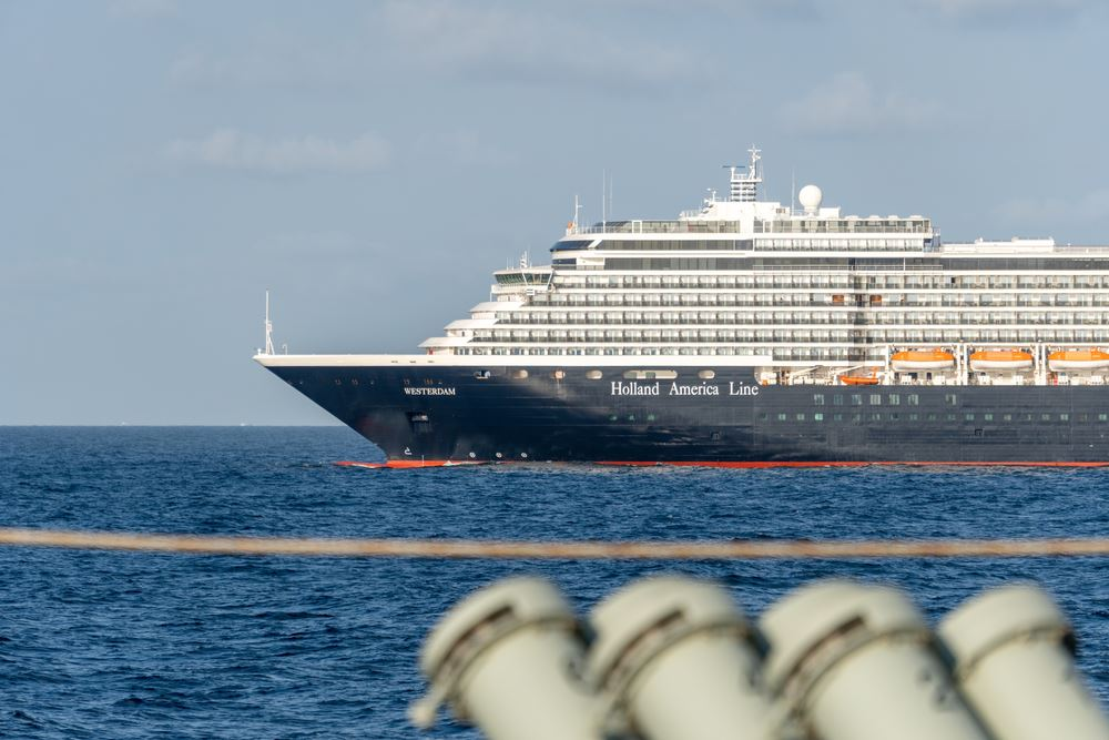 Holland America Protecting Travel Agent Commission on Cancelled Coronavirus Sailings