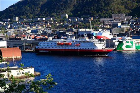 Hurtigruten Revamps Travel Agent Certification Program