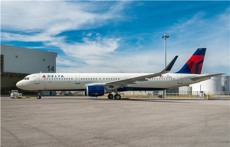 Delta Air Lines Joins Others in Raising Bag Fees