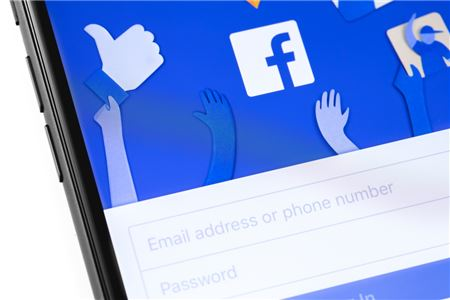 How to Use Facebook Groups to Build Your Business