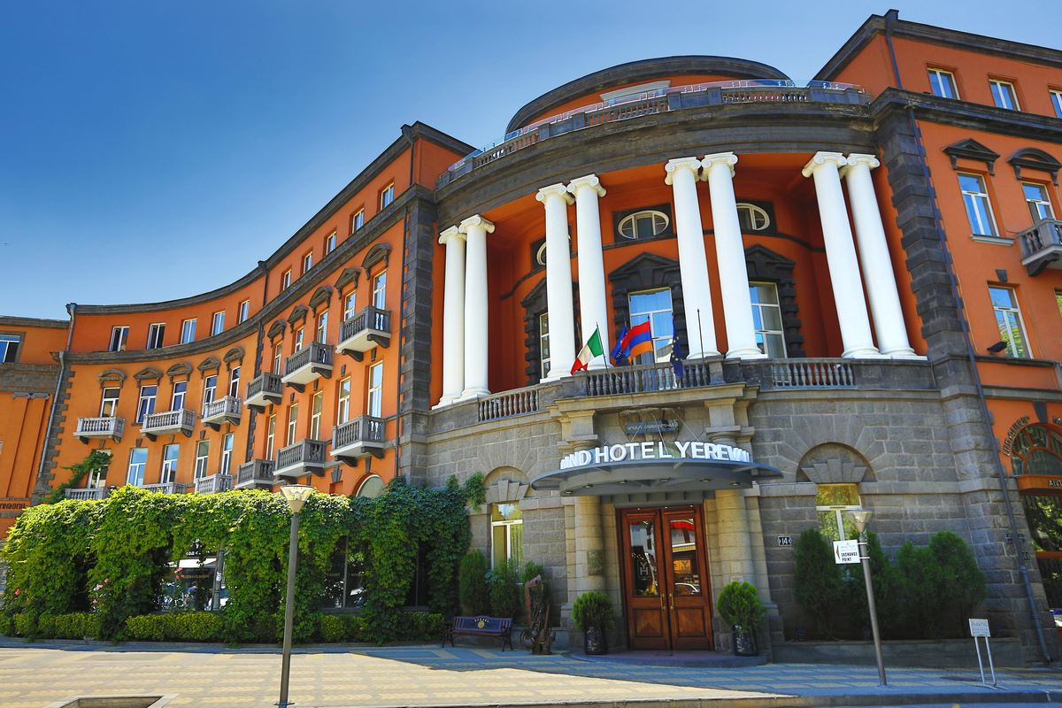 Small luxury hotels of the world introduces four hotels in for Slh of the world