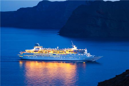 Selling Ocean Cruises: Advice for Travel Agents from the Experts