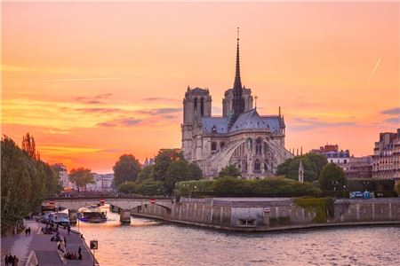 Travel Advisors Mourn Over Notre Dame Fire