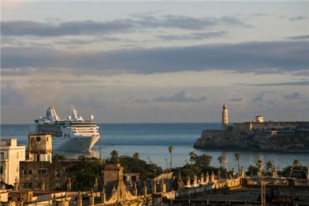 Royal Caribbean's Drops Anchor In Havana