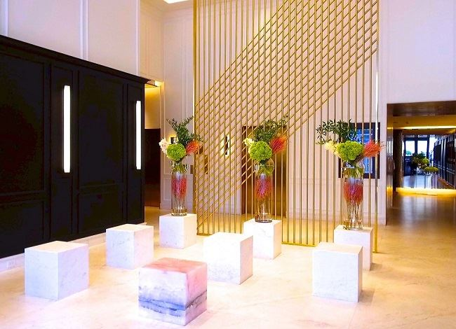 Four Seasons Montreal Luxury Hotel