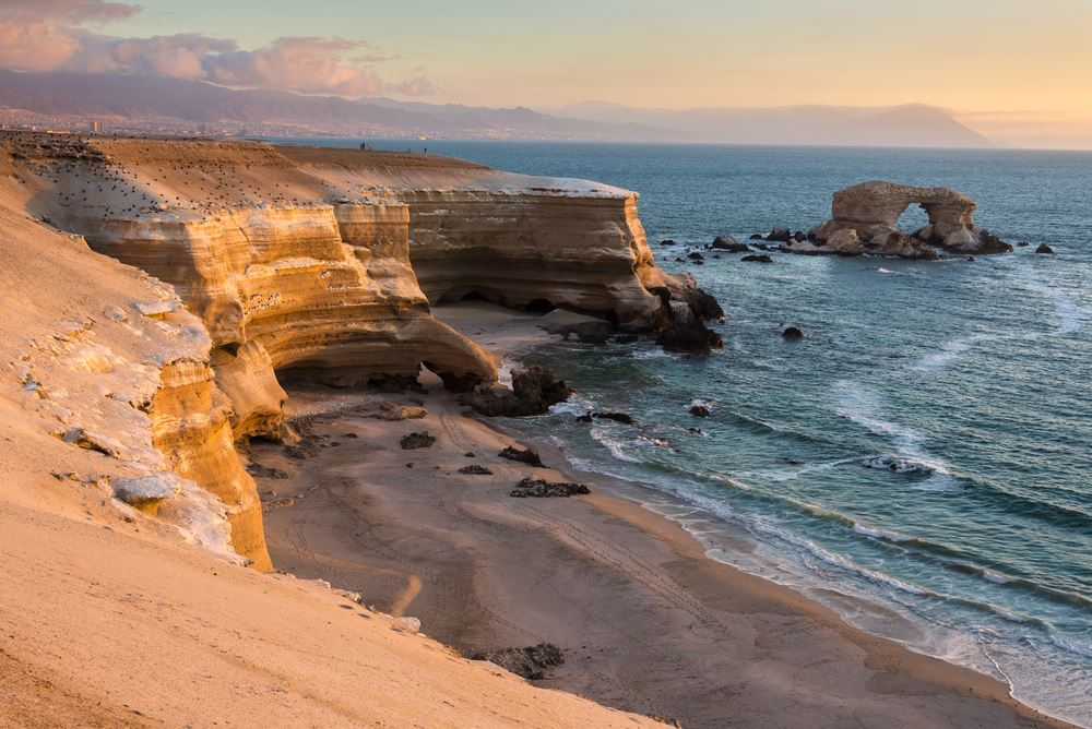 'La Portada' Natural Monument at sunset, Antofagasta