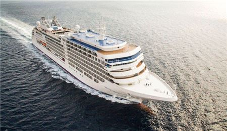 Here's What Each Major Ocean Cruise Line Charges in Gratuities