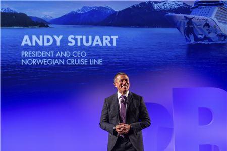 Andy Stuart Celebrates 30 Years at Norwegian Cruise Line