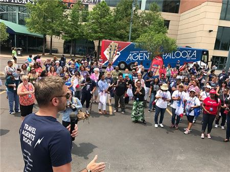 Carnival Cruise Line Heads on the Road for Second Agentpalooza