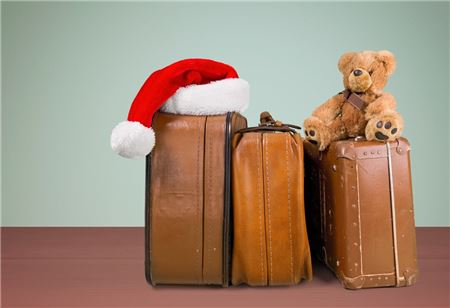 Holiday Travel Checklist: 10 Things to Remember