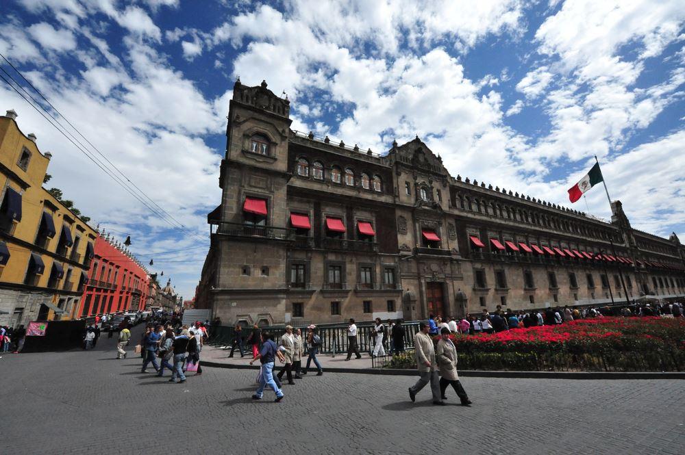 Negative News Continues To Impact Mexico Tourism Plans