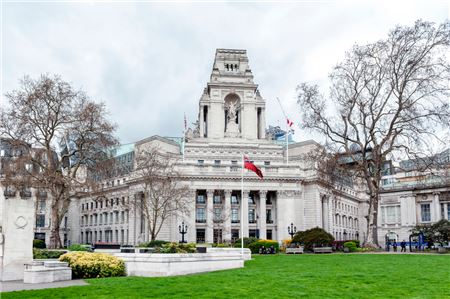 Where Can First-Time London Visitors Stay?