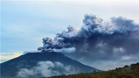 Threat of Volcanic Eruption is Hurting Bali's Peak Season
