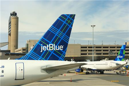 94ac181015 JetBlue Raises Cost of Checked Bags