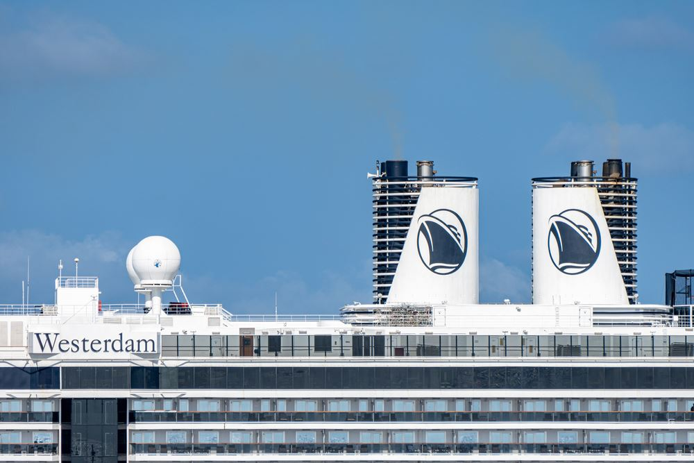 Holland America Westerdam Guests Disembark After Negative Coronavirus Tests
