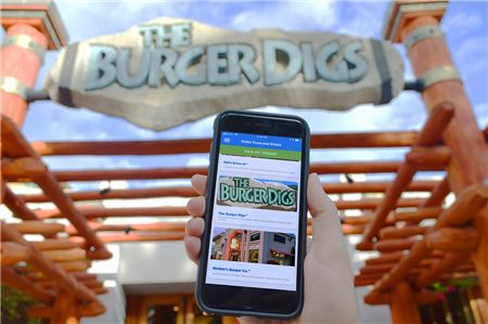 Universal Orlando Rolls Out Mobile Food Ordering Service