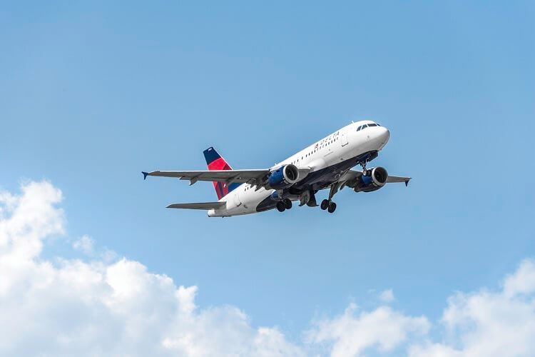 Delta Expands Waiver Policy, Begins Reopening Sky Clubs