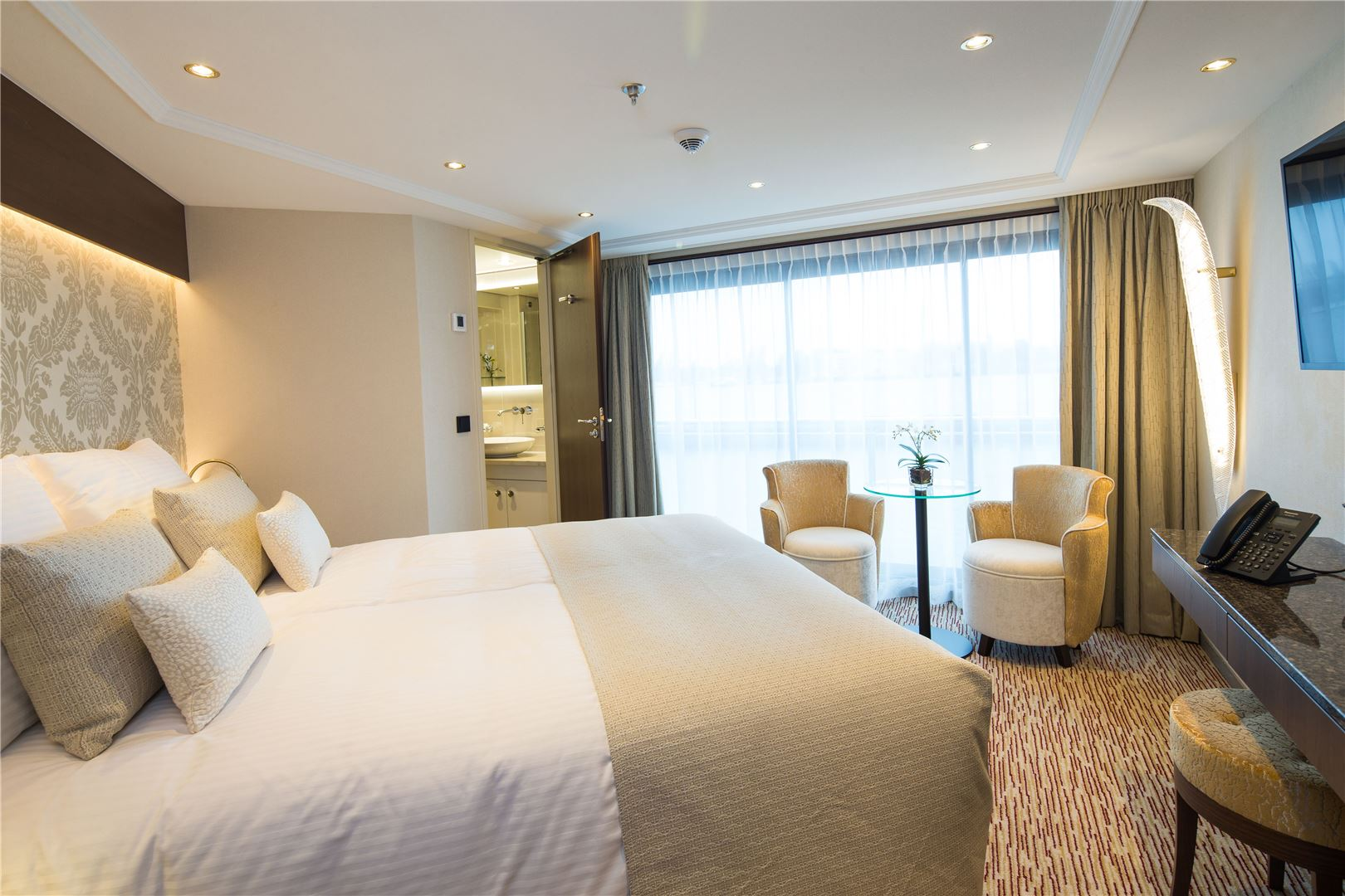 Riviera River Cruises Superior Suite MS Geoffrey Chaucer