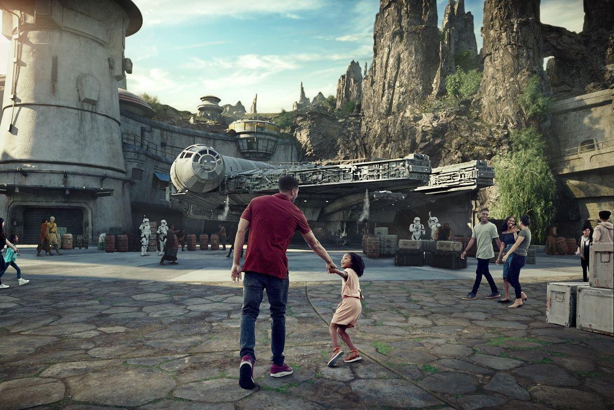 Disney's Star Wars: Galaxy Edge to Open Ahead of Schedule