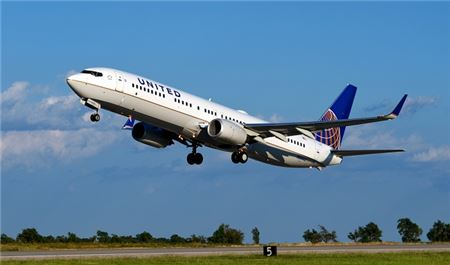 United Airlines to Offer Non-Stop Point-To-Point Flights for College Football Season