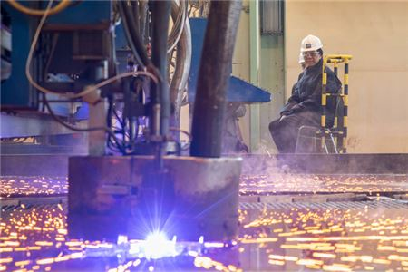Crystal Cuts Steel For River Yachts