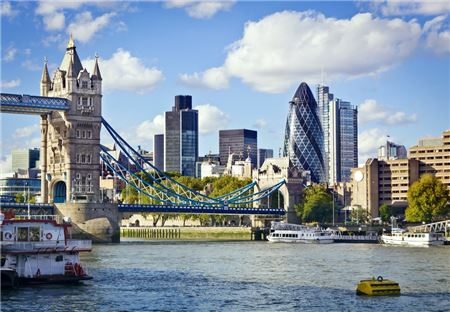 North American Visitors Drive London Spring Tourism Record