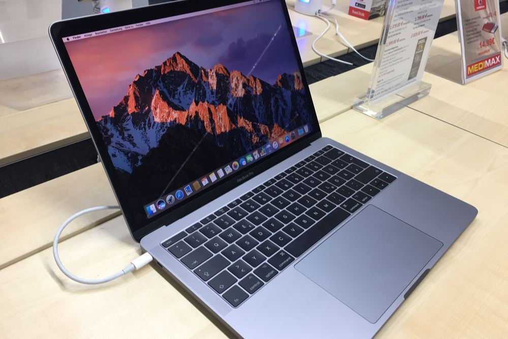 More Airlines Ban MacBook Pro from Checked Luggage