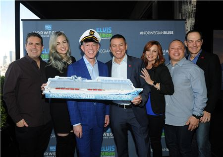 Norwegian Cruise Lines Names Elvis Duran as Godfather to Norwegian Bliss