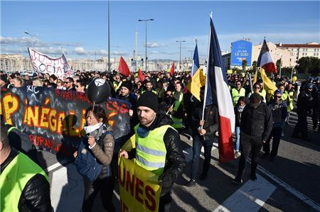 Strikes in France Brings Country to a Halt