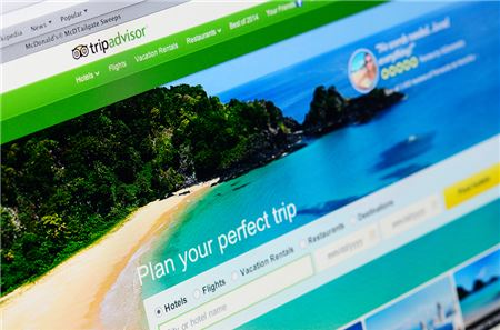 Booking Travel Tours Online Can Cost Travelers Money