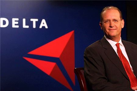 Amtrak Names Airline Veteran As CEO