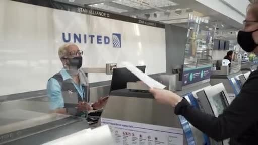 United Airlines Will Require Passengers to Complete Health Assessment Before Flights