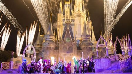 Halloween And Christmas.Disney Releases Dates For Halloween And Christmas Parties