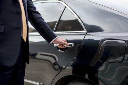 Luxury Gold Introduces Door-to-Door Airport Transfers