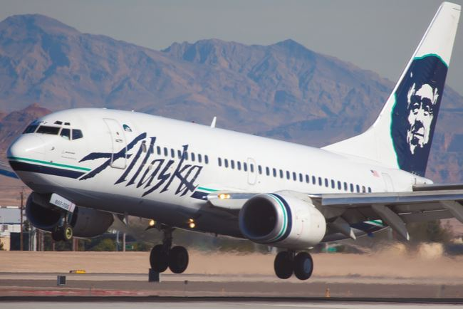 Alaska Airlines Face Mask Social Distancing