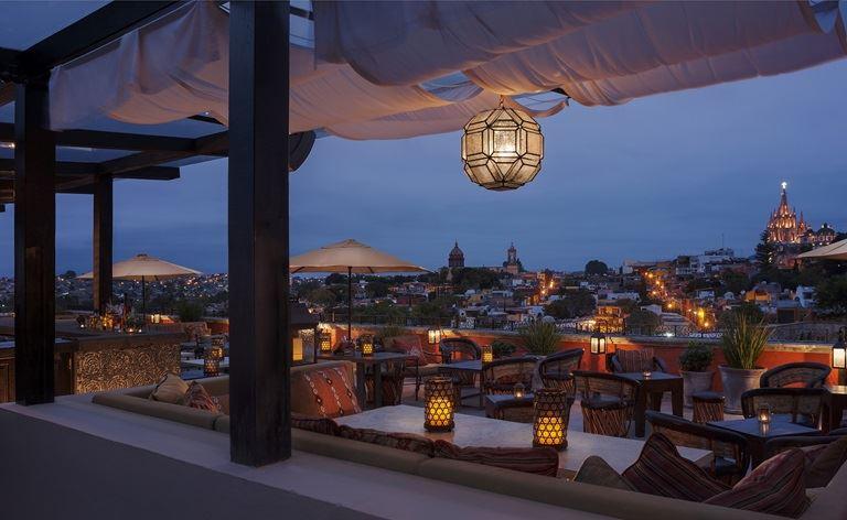 Rosewood Luna Tapas Rooftop Bar