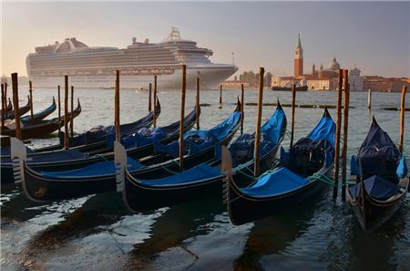 Venice Bans Cruise Ships from City Center