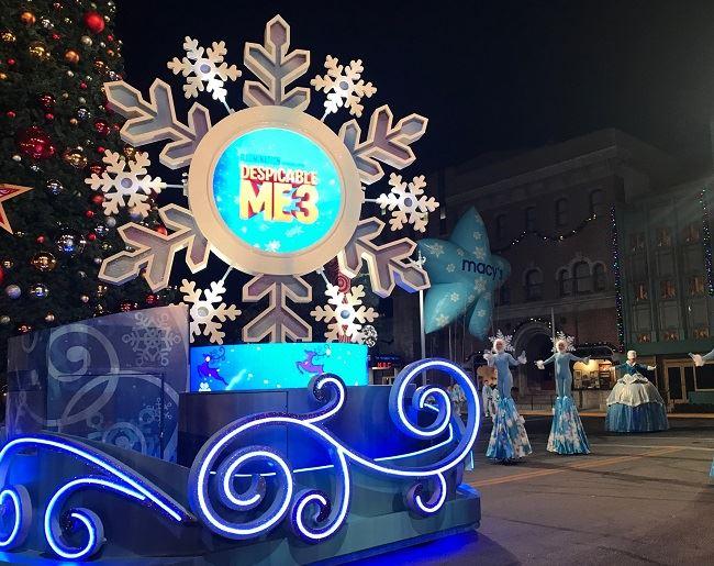 Universal Holiday Parade