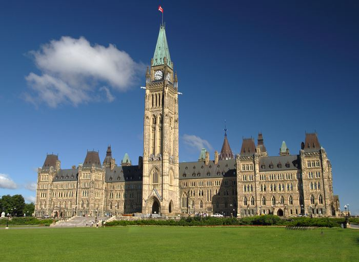 Canadian Government Announces Financial Aid Will Include Self Employed and Contractors