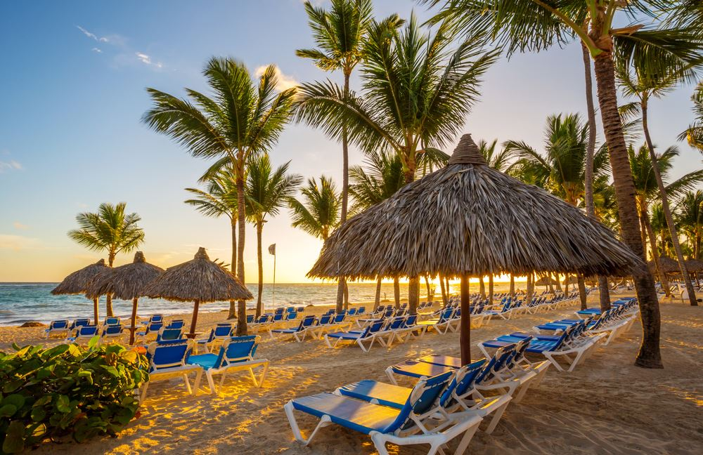 Where to Go This Winter Season: Mexico or the Caribbean?