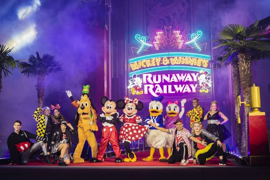 Mickey & Minnie's Runaway Railway Train Departs at Walt Disney World