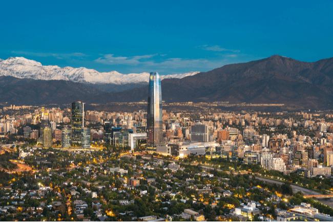 Chile abrirá sus puertas a viajeros internacionales vacunados el 1 de octubre