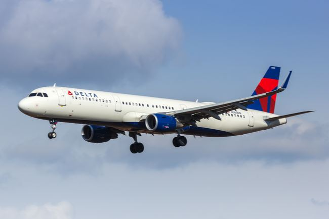 Delta Air Lines to Block Middle Seat through March