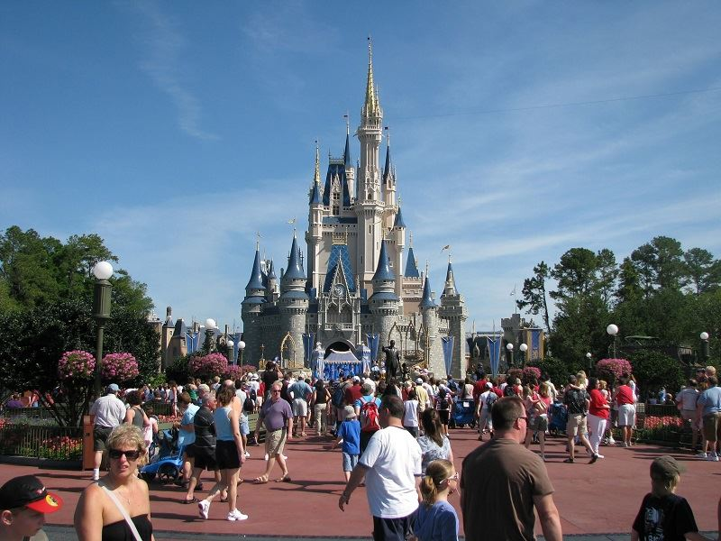 Disney World and Universal Orlando Admissions Could be Capped at 50%