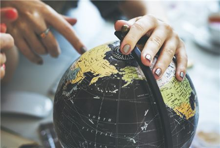 Why Agents Should Market Themselves As a Global Travel Influencer in 2019